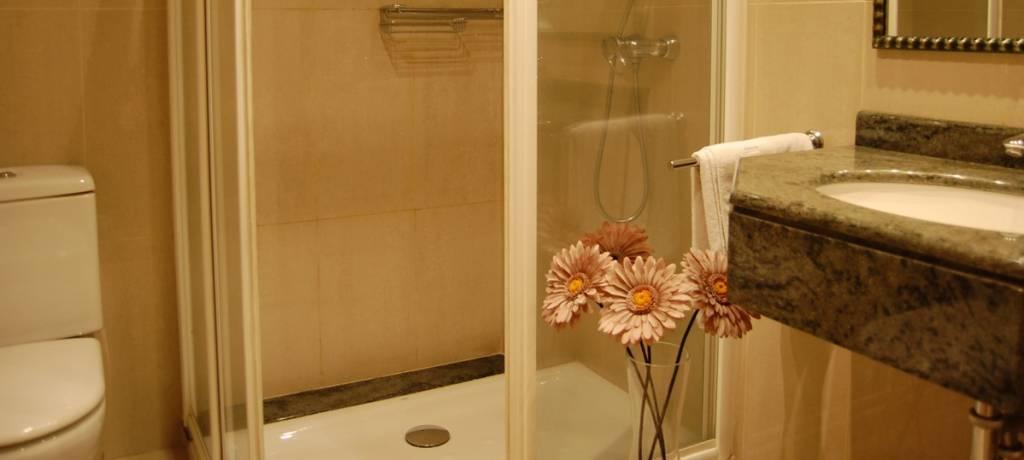 Pension Larrea baños