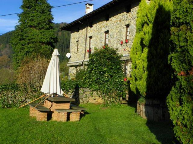 Casa rural Izarre Jardin