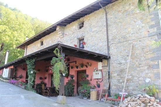 Restaurante en errezil Izarre