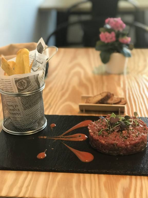 "Steak tartar de vaca premium ""Luismi"" con tomate achipotlado"