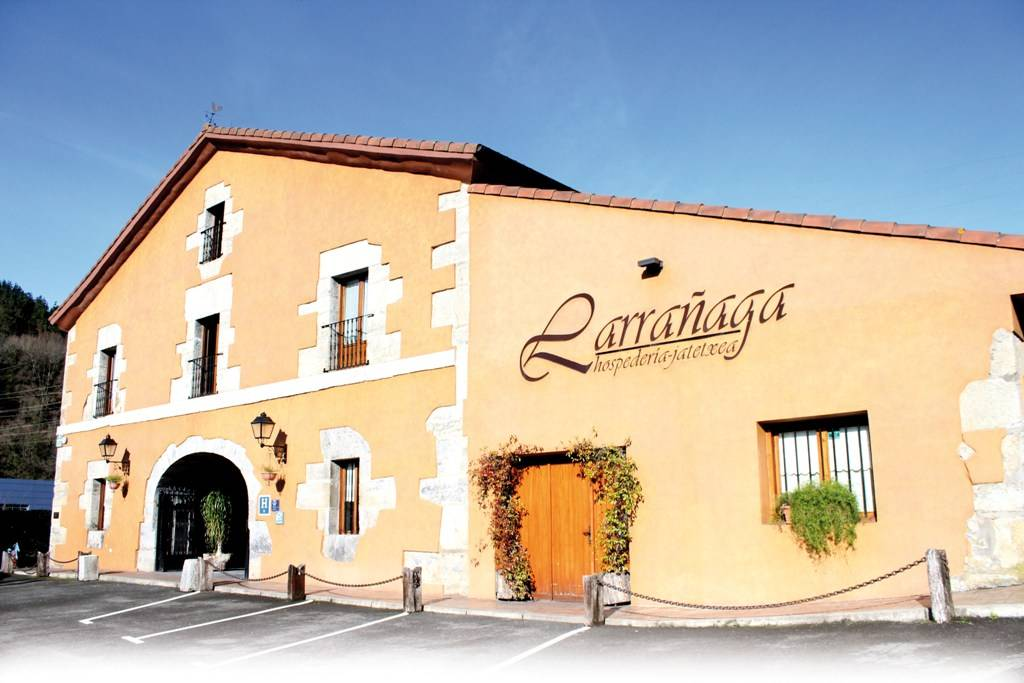 LARRAÑAGA HOTEL RESTAURANTE COMEDOR