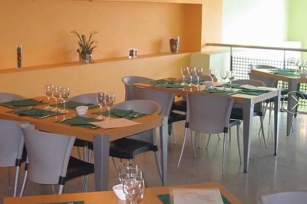 Igela jatetxea, ofrece un servicio de cocina Non Stop de 7:00 a 20:00