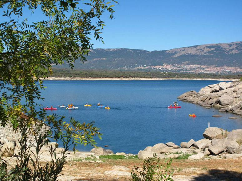 FISHING AND SAILING IN VALMAYOR - EL ESCORIAL